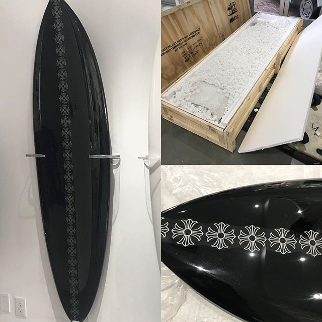 At Momentum Fine Art we specialize in packing fine art and in this case a surfboard for Chrome Hearts Miami. On its way to a happy owner in HKG @momentum_fine_art #arthandling #surfboard