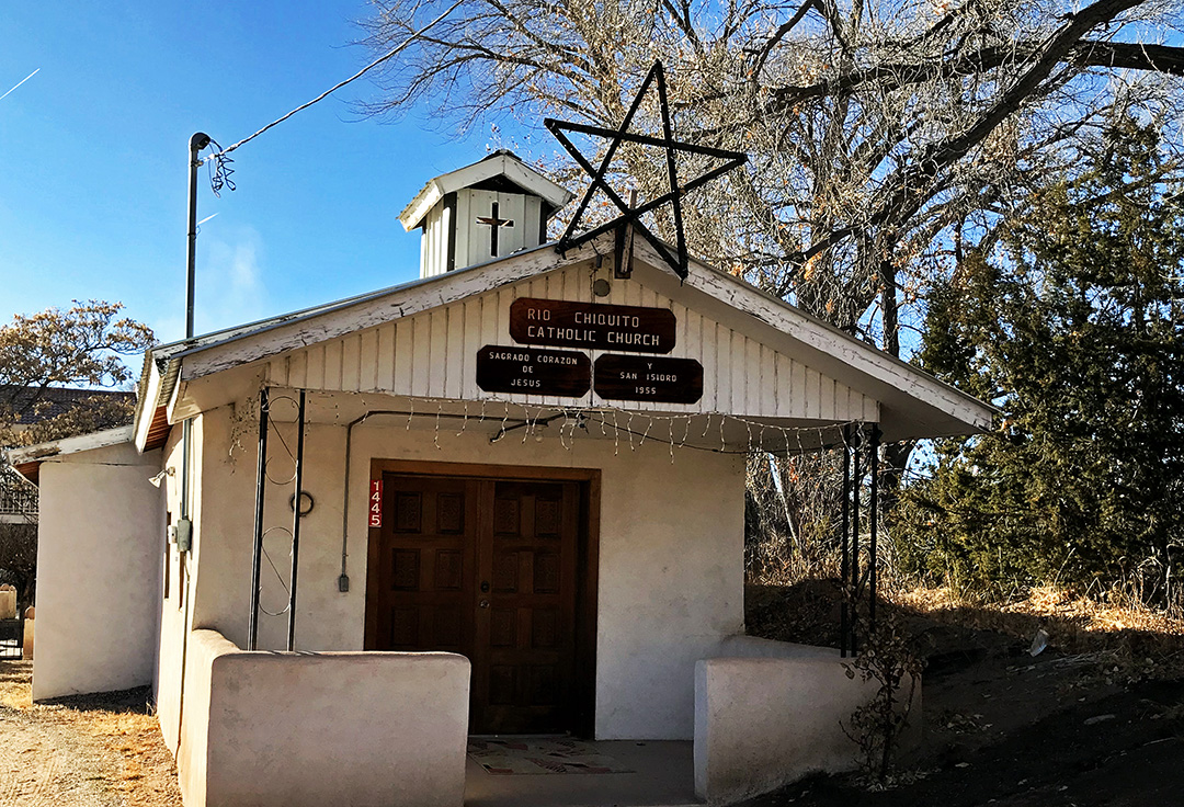 Sagrado Corazon de Jesus y San Isidro - Rio Chiquito, NM