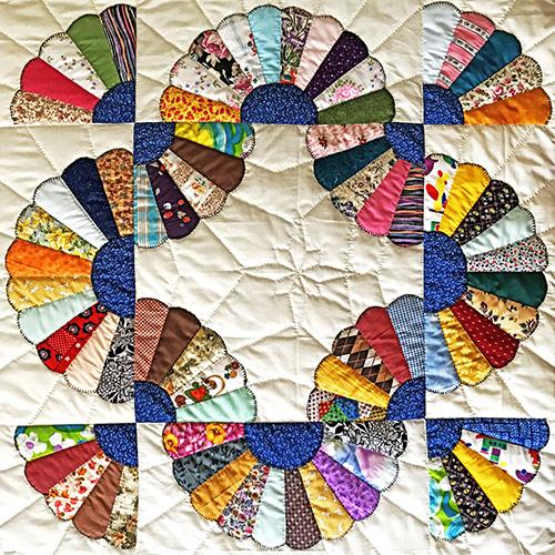 Delores Elkins   Quilt: Full Circle