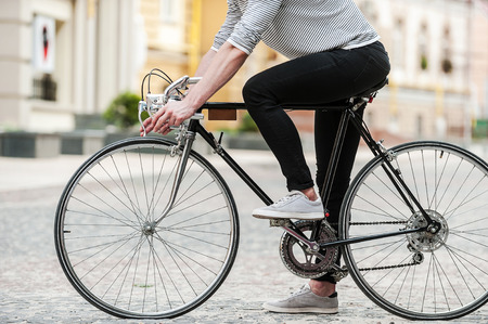 44203176_S_cycling_man_city_sneakers_work_casual_.jpg