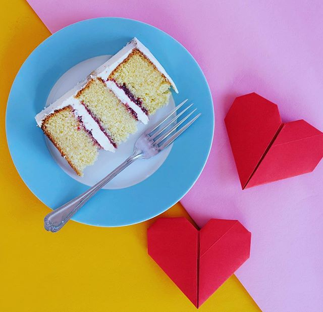 Sneak peek at todays super fun shoot with the super talented and so tasty @planet_of_the_cakes  and the amazing @stephaniemaciuk. Keep your eyes on the new direction of the studio. #cakes #planetofthecakes #flatlayphotography #naturallightphotography #hearts #colourful #productphotography #flarestudio #brighton #london #nyc #socialmediaphotography #baking