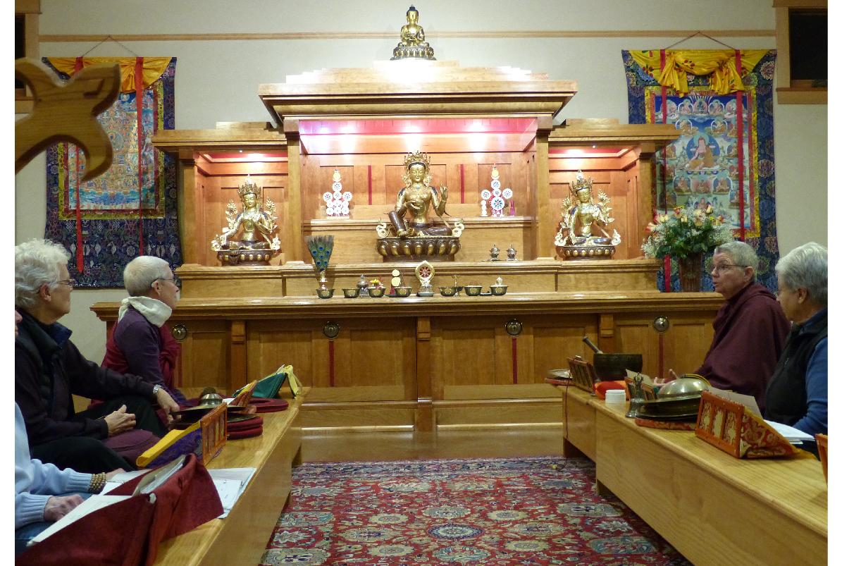 shrine2-02.jpg
