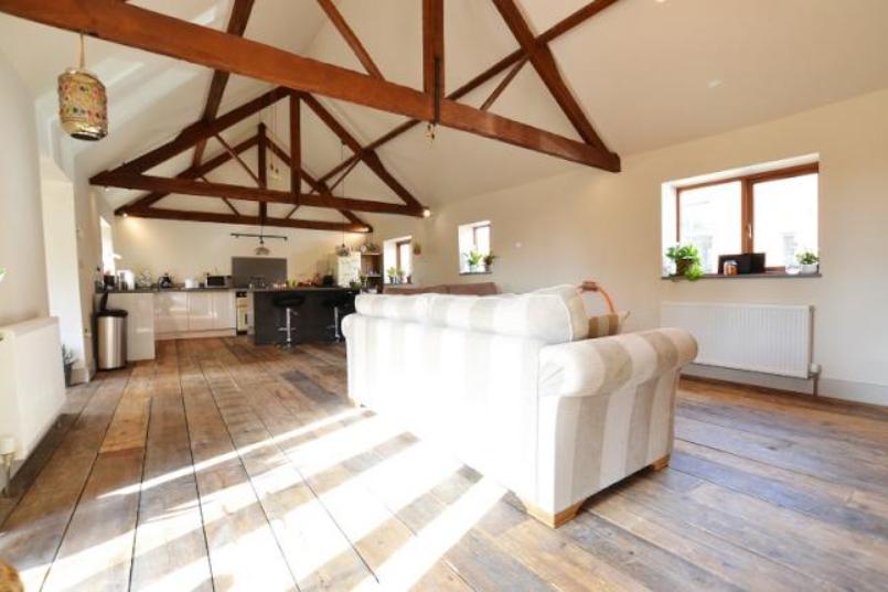 Little Barn - Interior 3.jpg