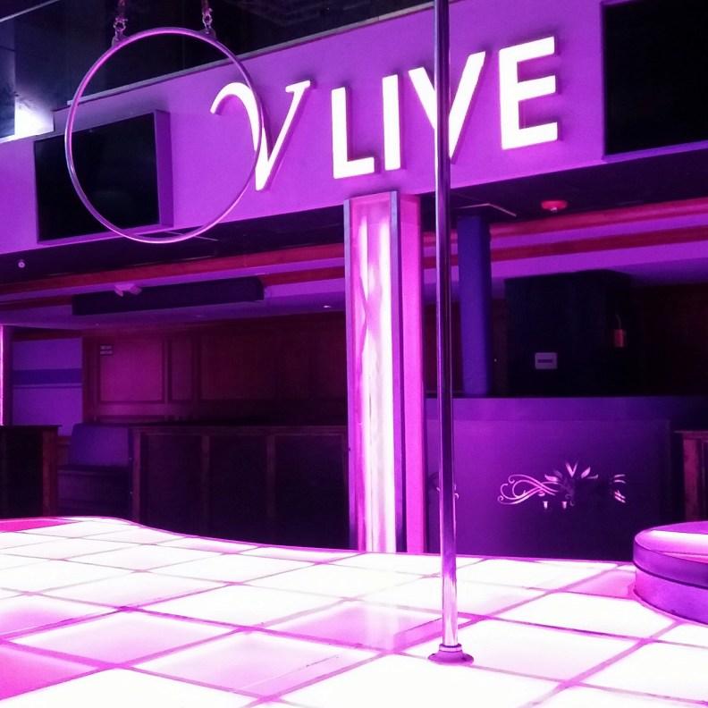 v live 2.jpg