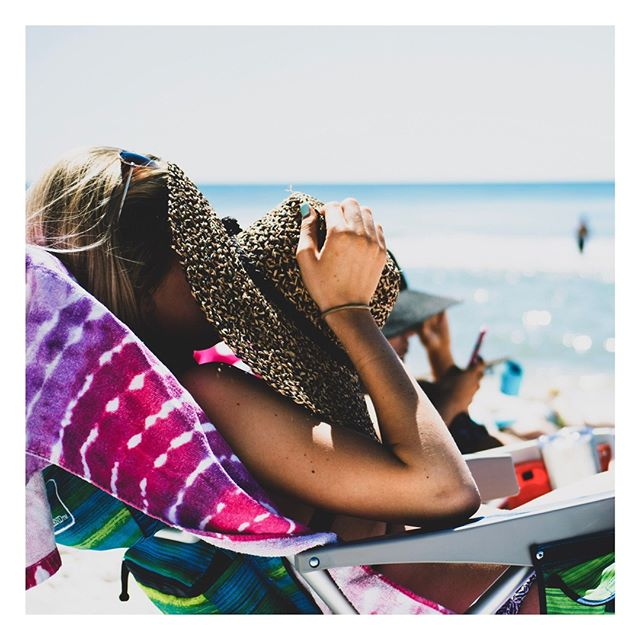 Beach hat ✔️ Beach Towel ✔️ Sunscreen ✔️ Self-tan the night before, come to the beach lookin' like you've been there all day.😘 ⠀ •⠀⠀ •⠀⠀ •⠀⠀ •⠀⠀ •⠀⠀ #skincare #madeincanada #skin #canadianmade #beautyblogger #shoplocal #healthyskin #collagen #instabeauty #beachday #glow #bronze #tan #tanning #face #skincareroutine #glowingskin #skincareaddict #care #gorgeous #natural #goldenglow #yvrbeauty #yvrbeautyblogger