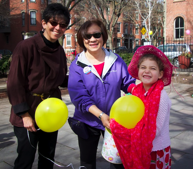 Marcia Lloyd and Suzanne Lee with an egg huntress