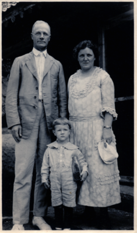 Virginia Pye's grandparents as missionaries, and father, age 4, in North China in the 1920s. Courtesy Virginia Pye.