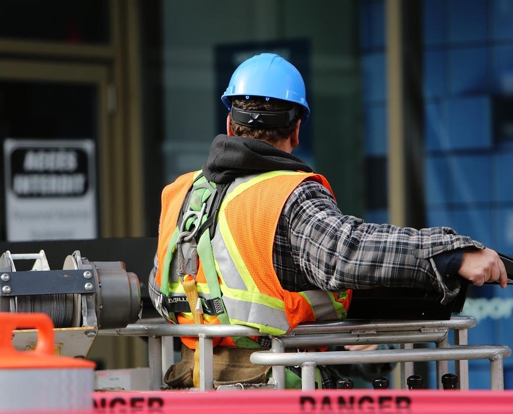 construction-worker-tinnitus.jpg