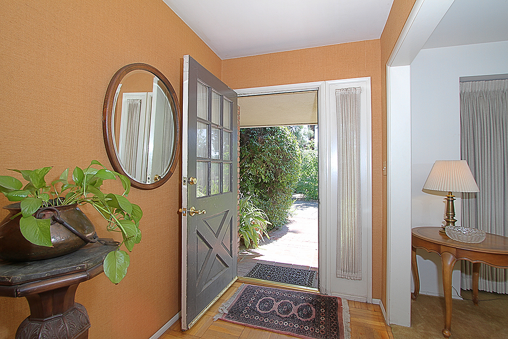 Sierra Madre Villa 1155 entry 2sm.jpg