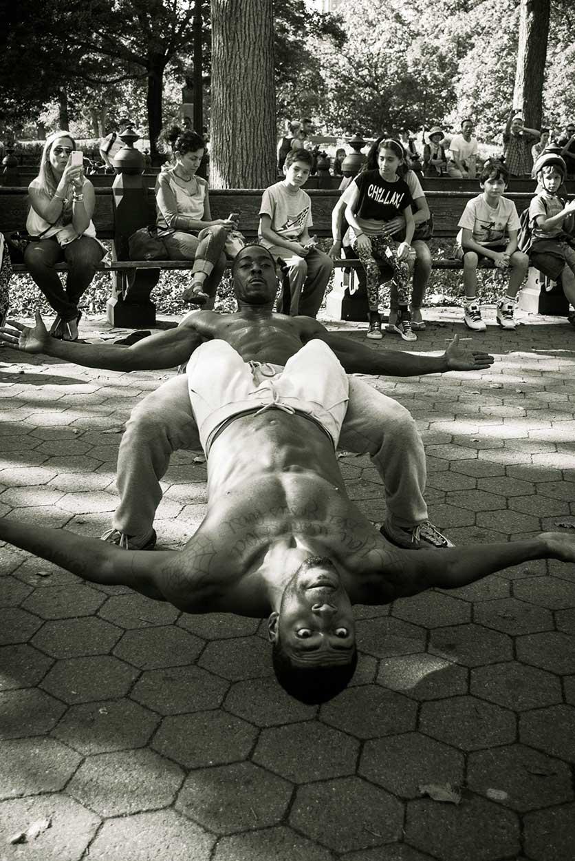 NYC-Street-Performer-Acrobats_WEB.jpg