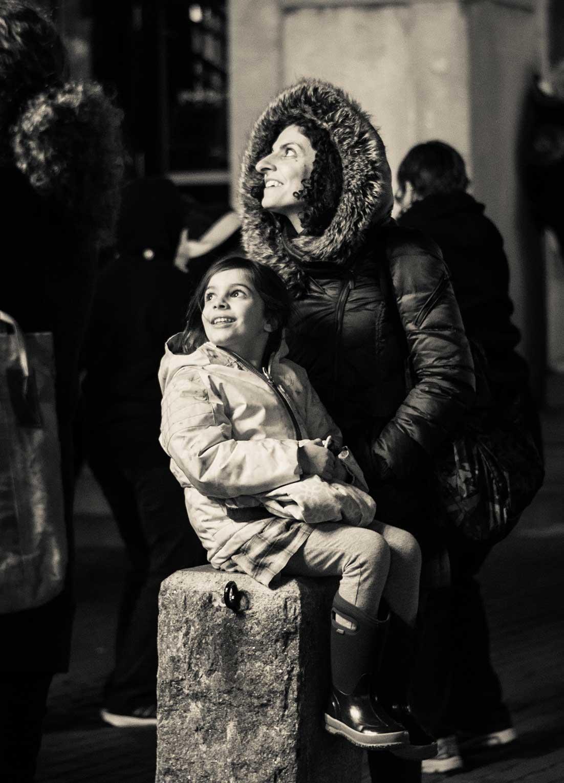 Family-at-Christmas-Tree-Lighting-Ceremony_WEB.jpg