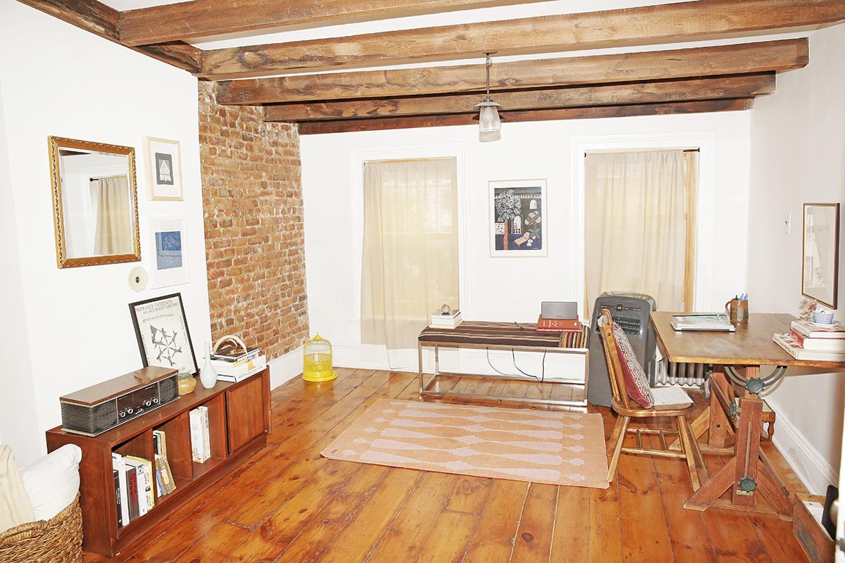 Lizzie-Fortunato-Apartment-Man-Repeller-37.jpg