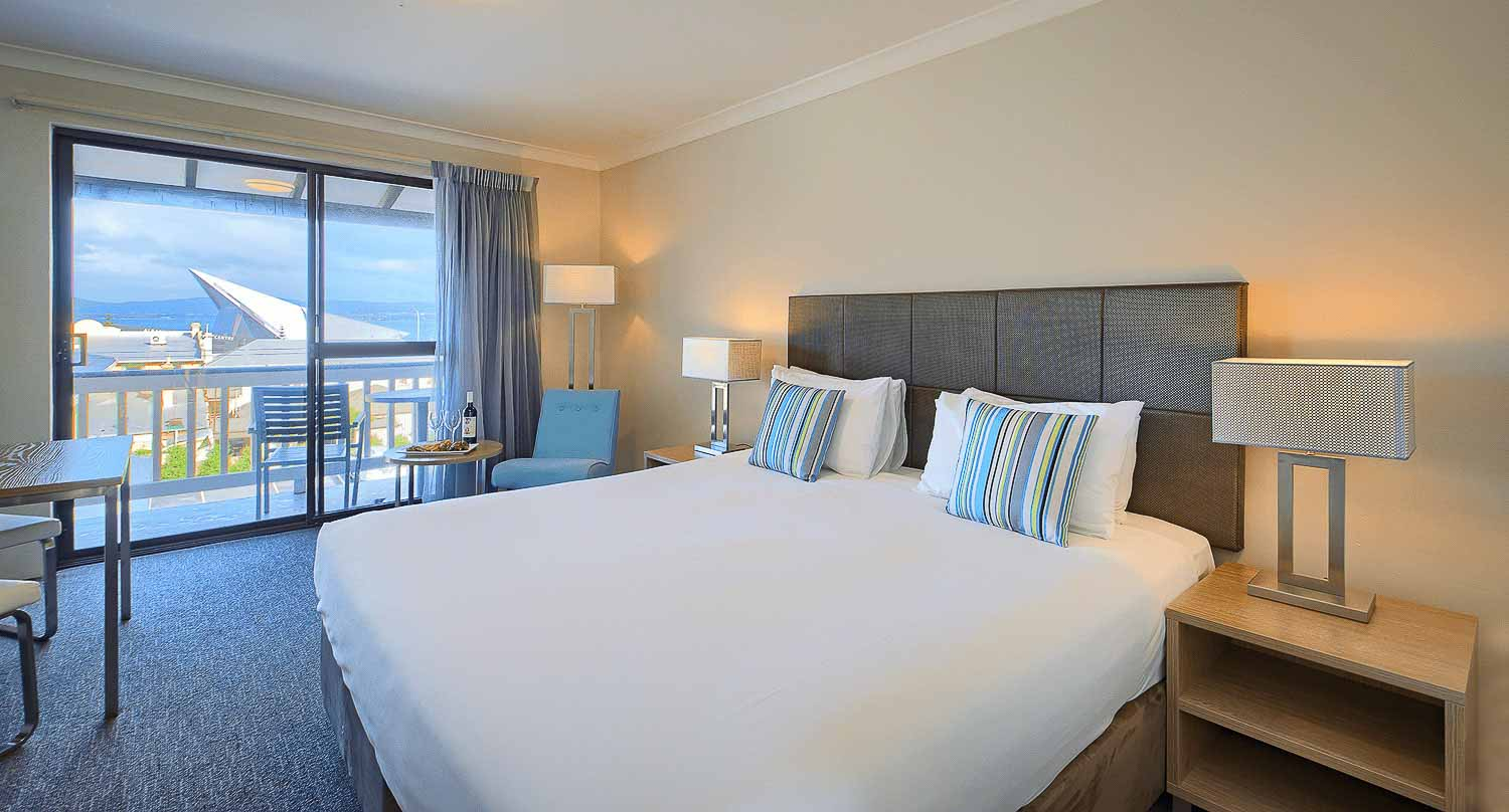 best-western-albany-apartments-hotel-motel-accommodation-harbour-view-king-4.jpg