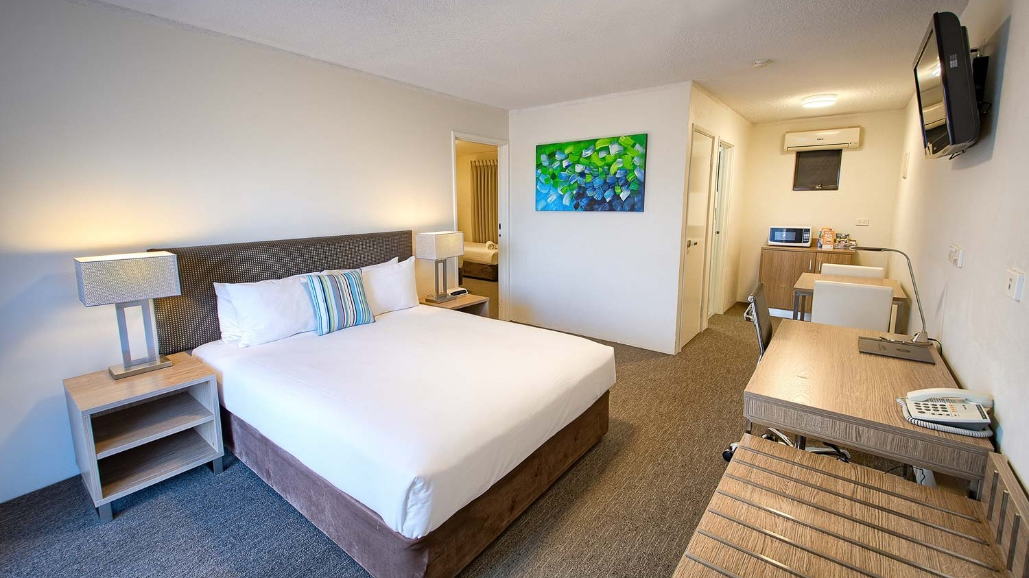 Junior Suite - A modern suite with 2 bedrooms and a shared ensuite.