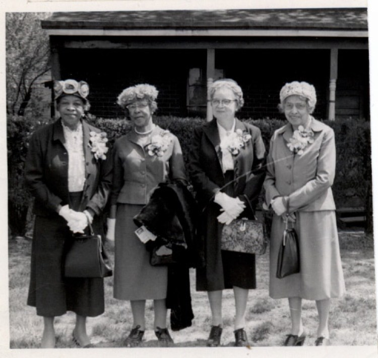 Founders-Harriet_Terry_Joana_Shields_Margaret_Flagg_Holmes_Beulah_Burke.jpg