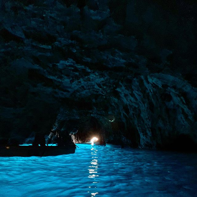 Family reunion trip in South Italy🙏🍻🇮🇹 Never seen such beautiful blue color in my life🌊 #inthecave #ガリガリ君が食べたくなった