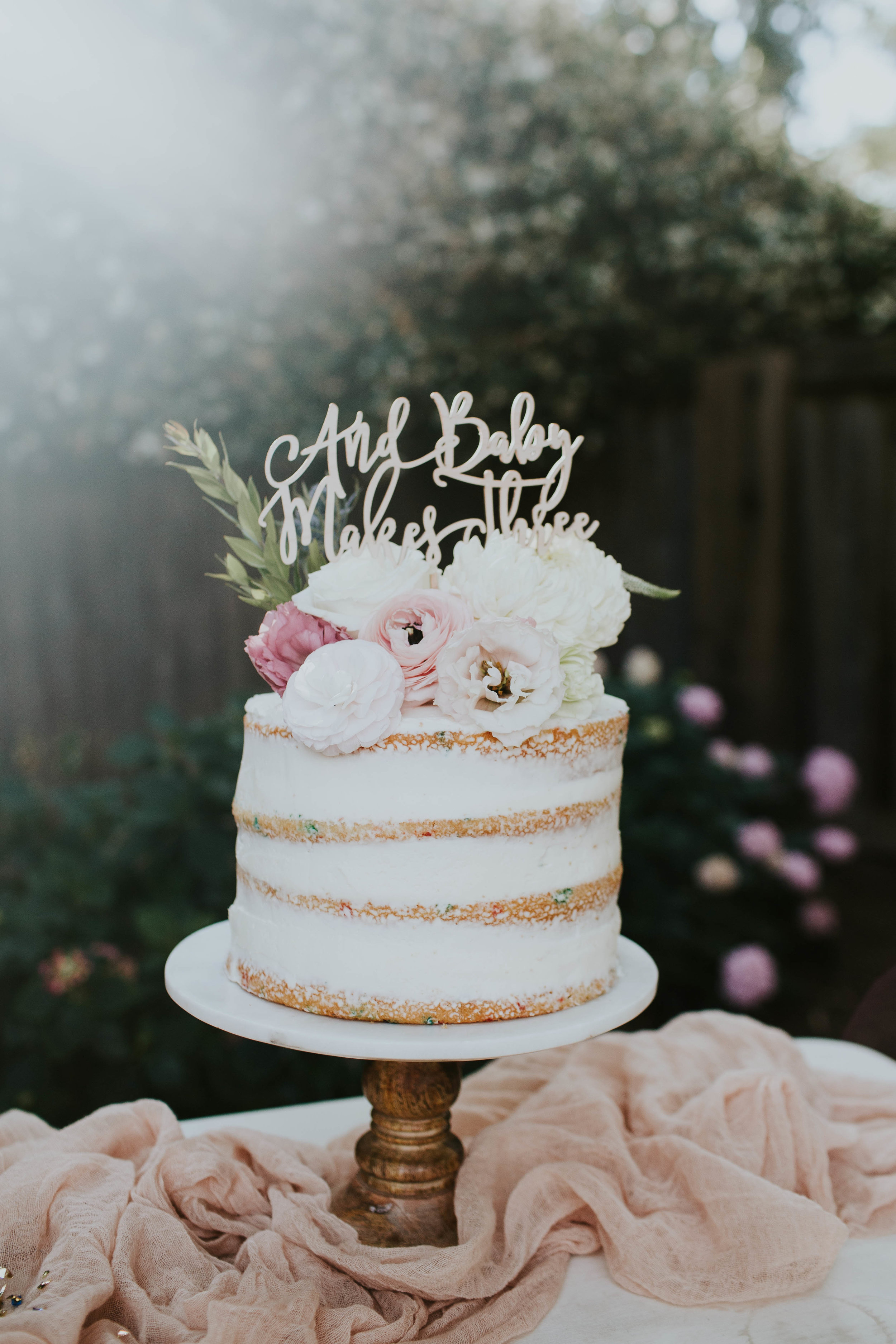  Cake: Sara Fisher - Messy Muffin   Topper: MidnightConfetti on Etsy   Photo:Amie Soares Photography   Design: Ribbon & leaf Events  