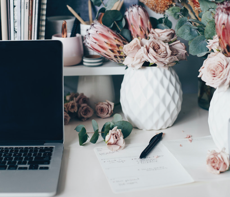Copywriter for wedding business owners