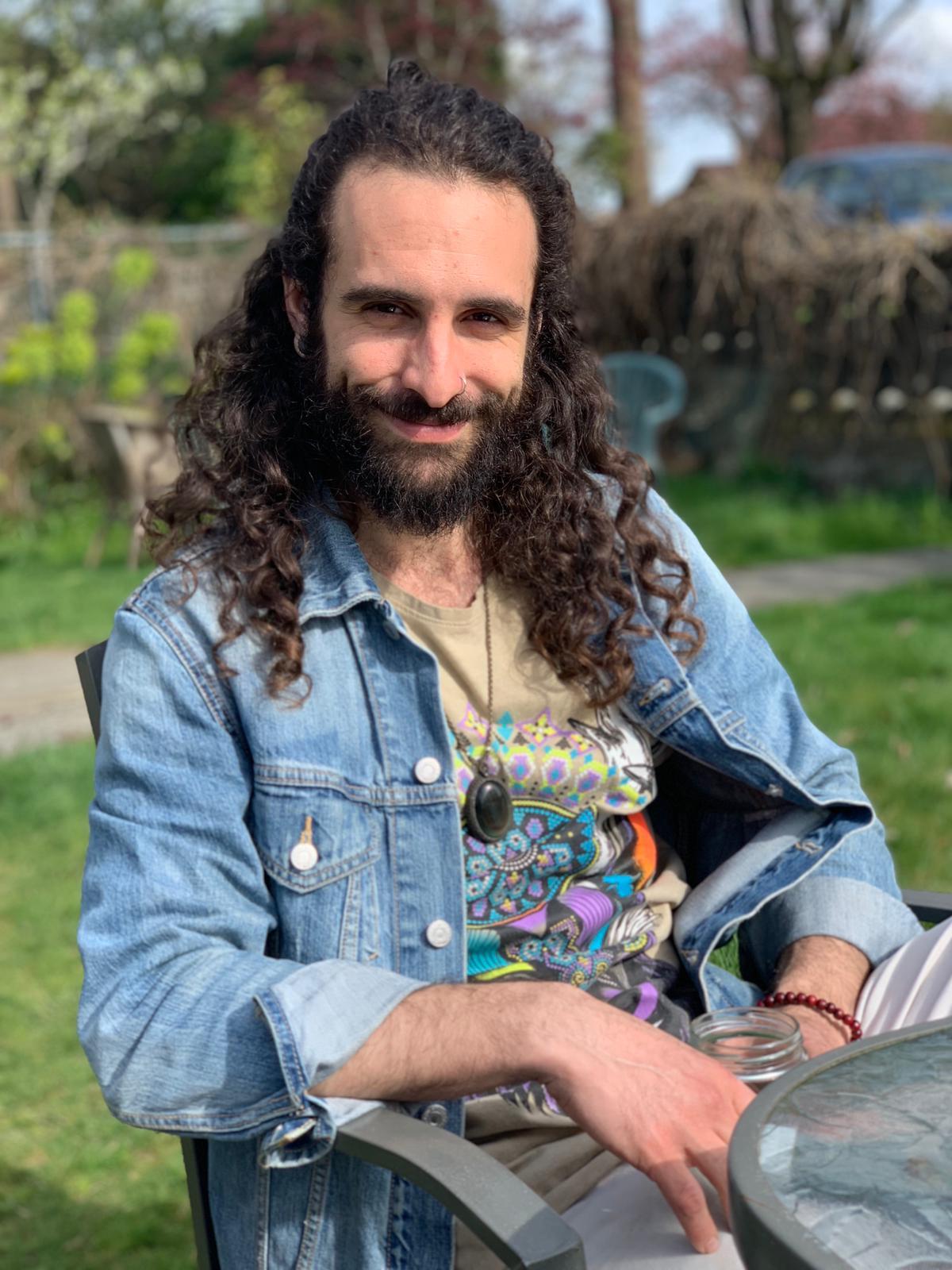 Fabian Frangipane: B.Sc Psychology & Philosophy, Dip. Counselling., Certified Yoga Teacher