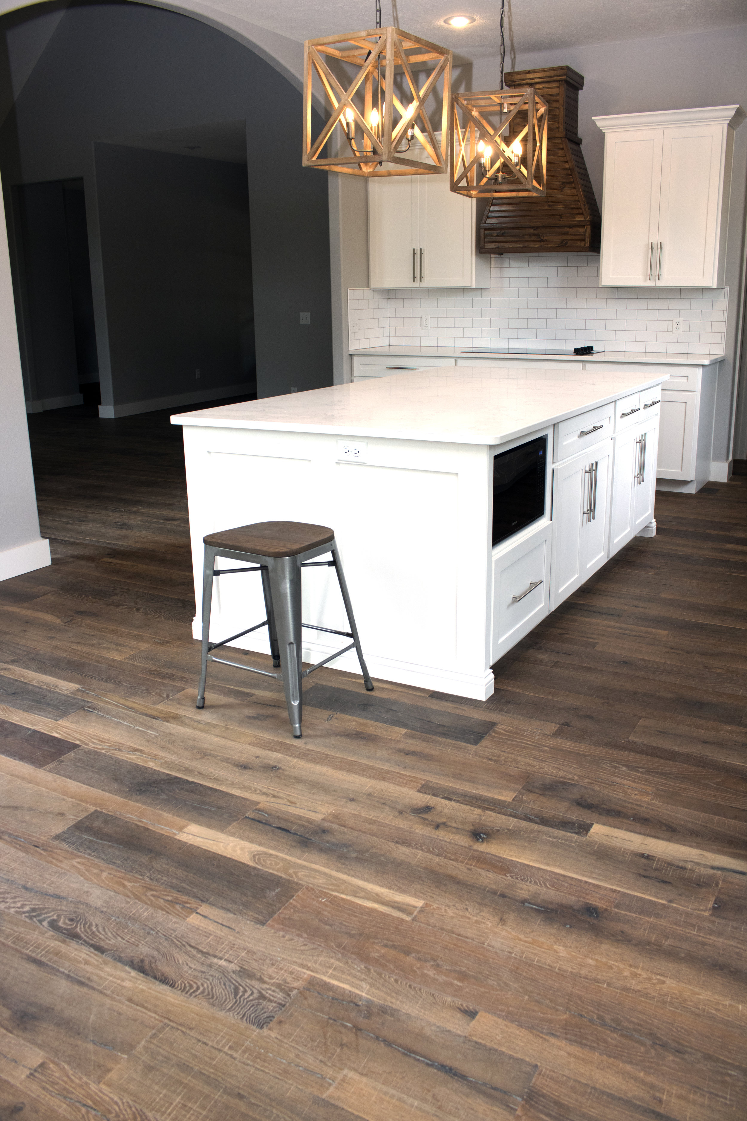 American Backroads Collection European White Oak Hardwood Color Barstow