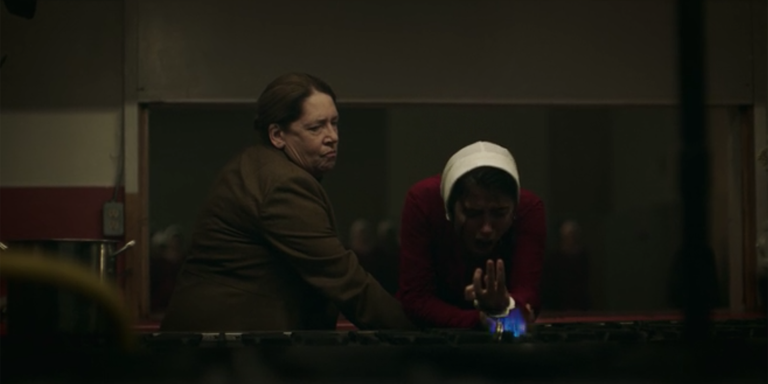 handmaids-tale-premiere-shocking-moment-3-1524842638.png