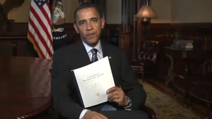 President_Barack_Obama_holding_Citizen's_Briefing_Book.jpg