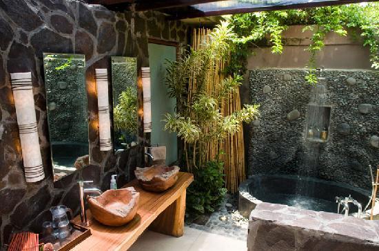 Ubud Bathroom.jpg