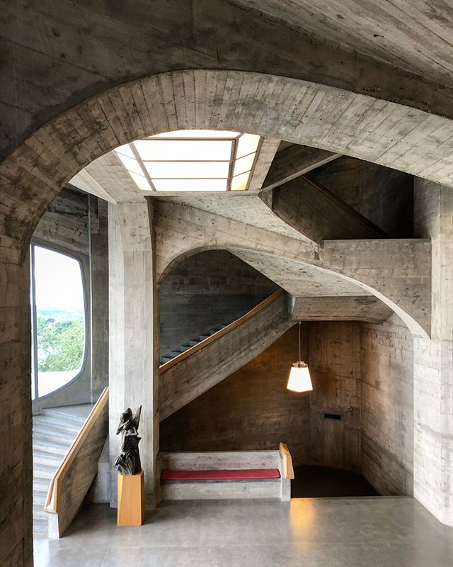 It's a Staircase Stuper Stuesday! . It's not a superlative I hand out lightly, but when it comes to the main staircase at Rudolf Steiner's cast concrete expressionist Goetheanum, built in 1928, it's a no brainer. If you know of anyone who went to a Waldorf school, this is why they are geniuses/crazy.