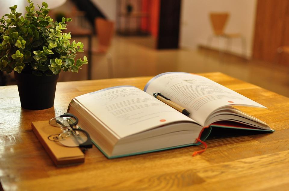 book-bindings-3172471_960_720.jpg