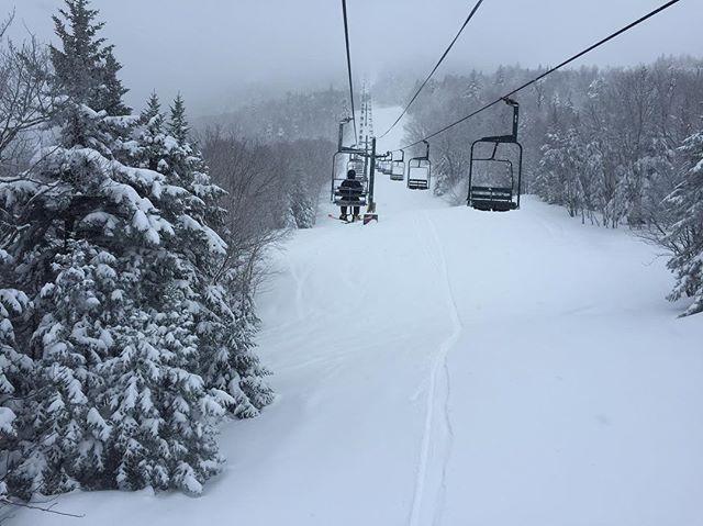 Pre snowboarding, snowboarding. #smuggslove #wesnowboard #ridegreen #livegreen
