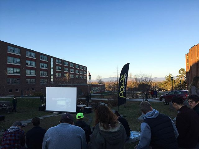 Out here at homegrown with @uvm_ssc, giving away a board and enjoying the weather. • #eastcoastfinest #uvmssc #homegrownmovienight