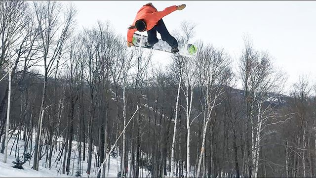 Pure speed. • Link to the video is in the bio. • @piece_of_toast_with_camera • #gofast #speed #rideordie #ridingisthereason #ridegreen #livegreen #rideart #ridepowe #powesnowboards #homegrown #respectnature #lovetheearth #bamboo #hemp #art #makegreatart #makeart #ridevermont #snowboardwithfriends #snowboardingisfun