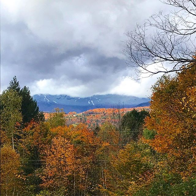 🍁 Home #fall #foliage #vermont #theressnowupinthemtheremountains