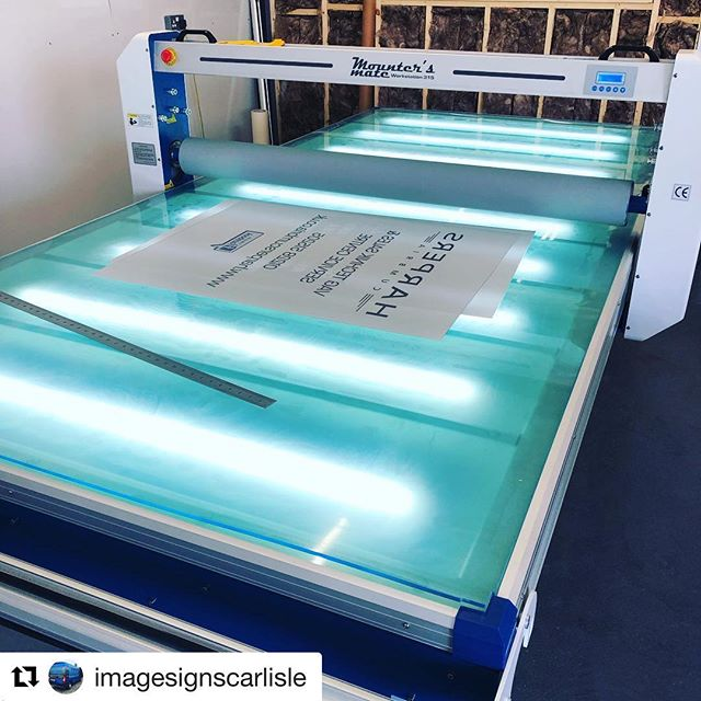 #Repost @imagesignscarlisle with @get_repost ・・・ Santa has come early to our new workshop and delivered a @mounters_mate workstation 315 and a 1600hs laminator to speed up production and increase the quality of our output in 2019. Very excited to start working with them #laminator #flatbedlaminator #mountersmate