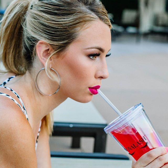 Lashes & refreshing drink ! She is summer ready ! • • • Oil Proof & Waterproof 💧 Lashes @erickaalysemua  Makeup @erickaalysemua  Photo @xjessimurrayx  Model @additesio