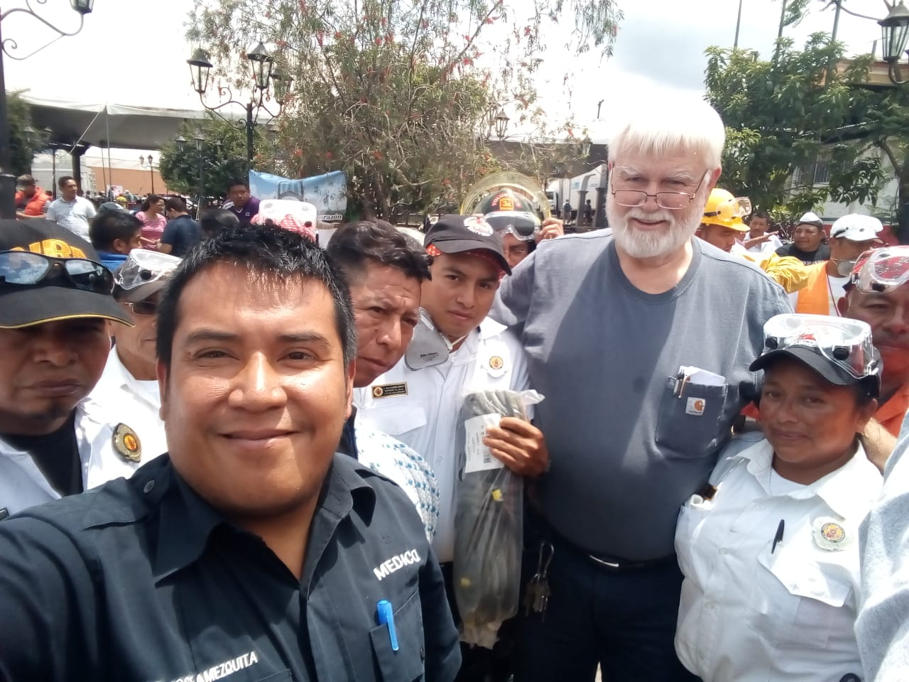 Doctors serving in disaster areas are happy when they have medicine and supplies they can use. You made sure Dr Amézquita got what he needed. You also supplied the 127th Company San Jose Pinula volunteer rescue squad, Dr Eric Estrada, and others. Thank you!