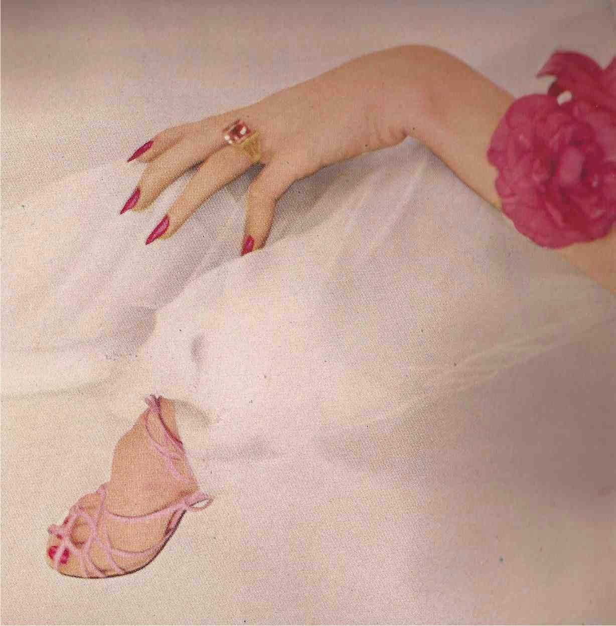 Harper's+Bazaar+March+1949.jpg