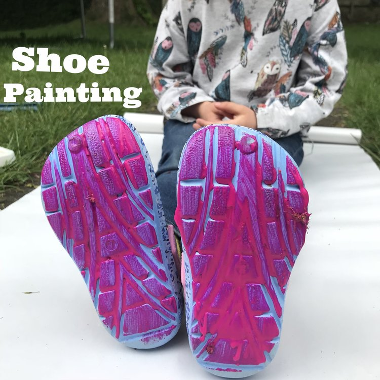 Shoe painting! It's messy, it's outdoors, its colourful. Your Little Feet will love it. Take a deep breath, find your chi and get stuck in. All you need are some plastic shoes like wellies, beach sandals, jelly shoes or crocs, paper and paint!