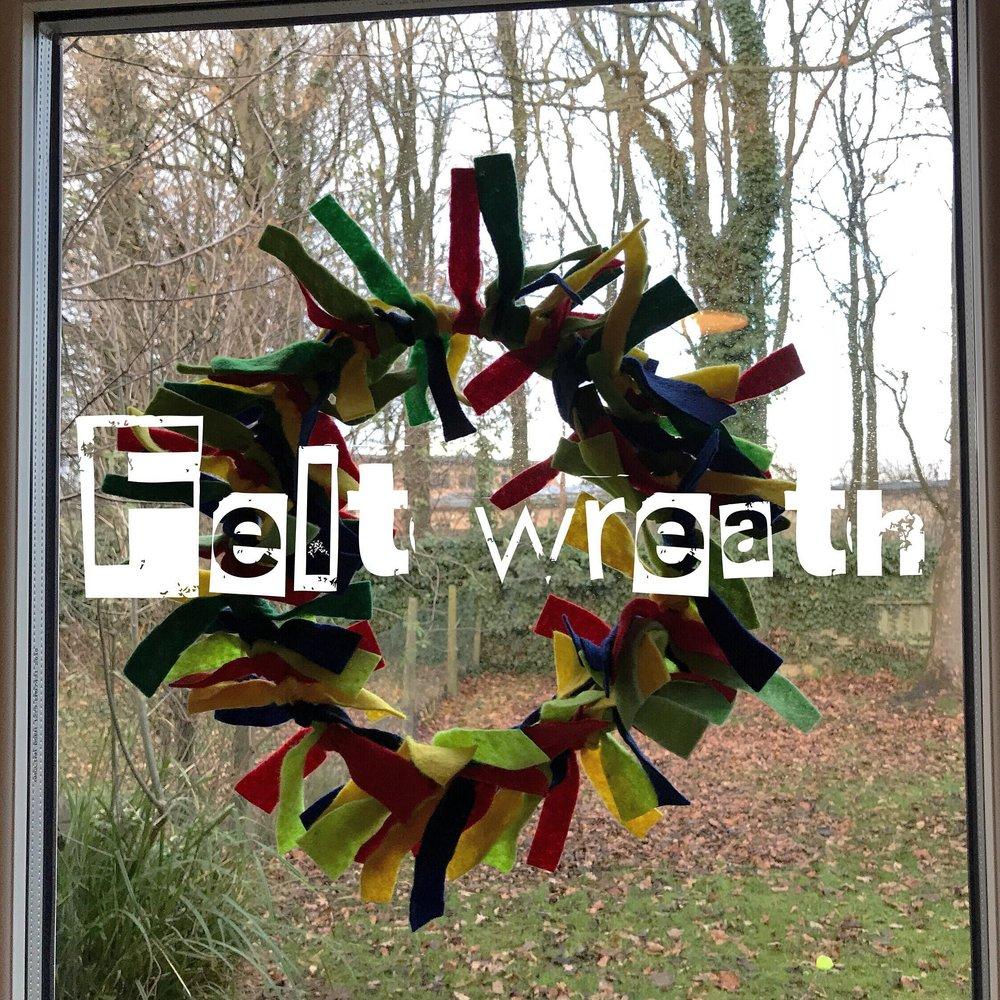 Felt wreaths - no glue needed!