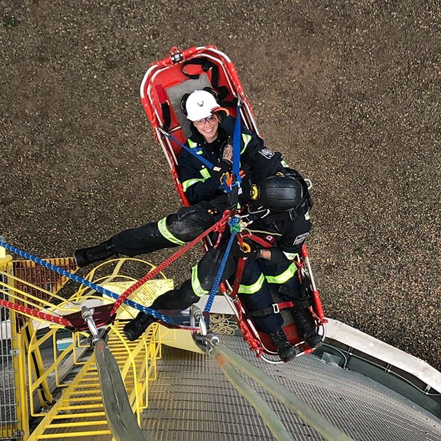 Some rope rescue fun on the water tower ahead of BC provincials! . . . . #ubc #ubcminerescue #mine #minerescue #mining #engineering #ubcengineering #sponsored #equipment #roperescue #vancouver #instagram #followme #heights