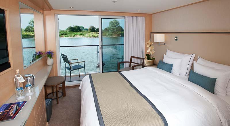 SHIP_Stateroom_Longship_Veranda_Bed-01_800x440_tcm21-10214.jpg