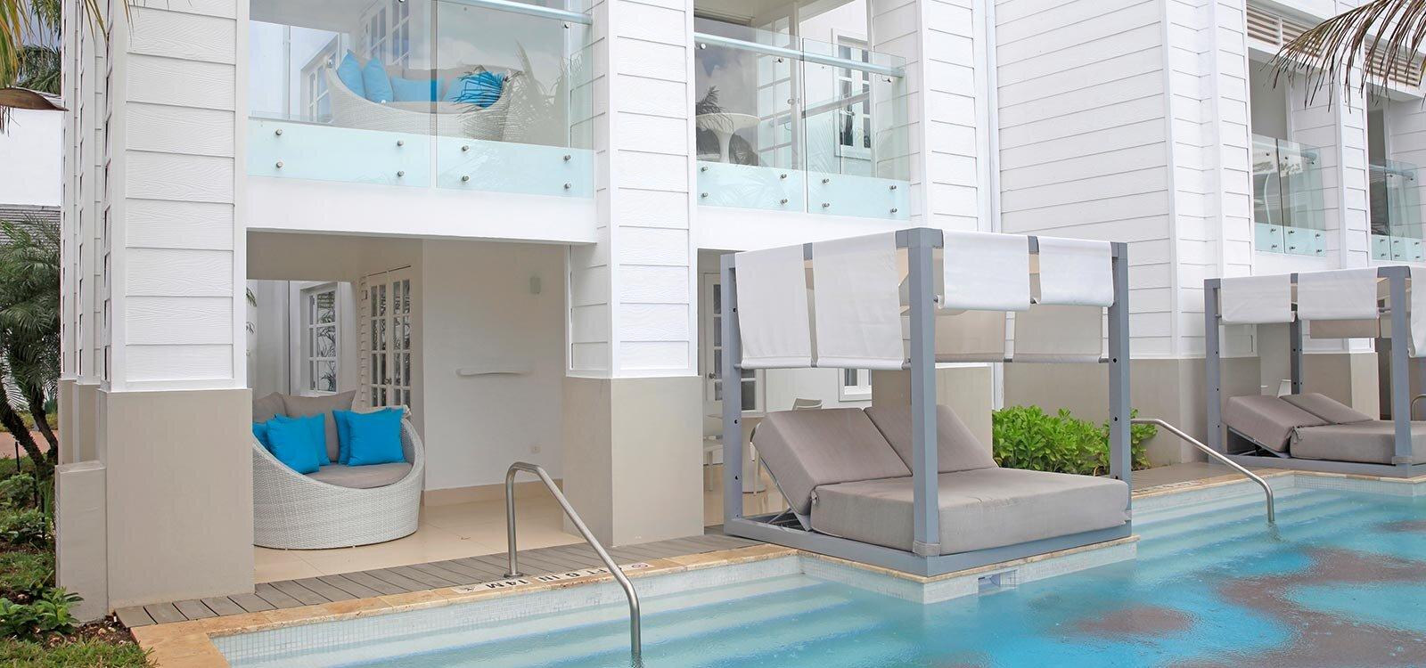 AZSJ-Ocean-Front-Honeymoon-Swim-Up-Suite_1600x750.jpg