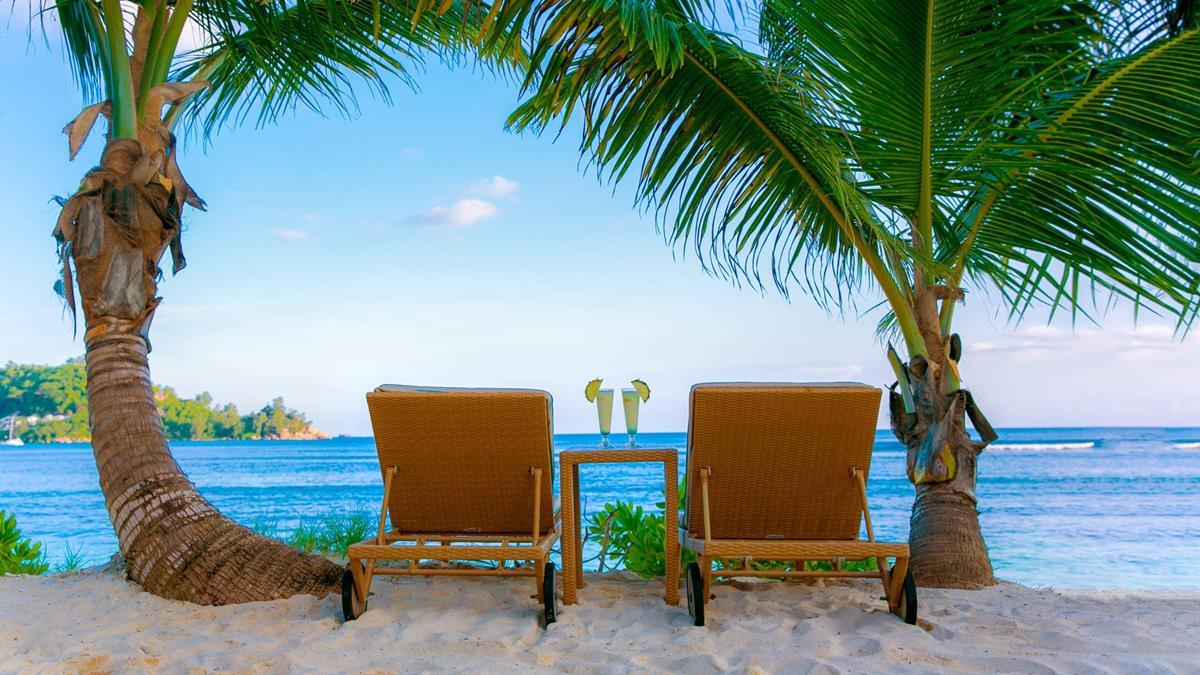 e_sun-loungers-on-the-beach_kempinski-seychelles.jpg;width=1200;height=675;mode=crop;anchor=middlecenter;autorotate=true;quality=75;scale=both;progressive=true;encoder=freeimage;format=jpg.jpeg
