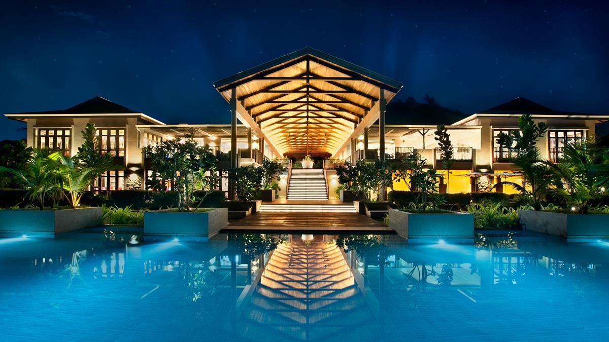 hotelmainbuildingevening.jpg;width=1200;height=675;mode=crop;anchor=middlecenter;autorotate=true;quality=75;scale=both;progressive=true;encoder=freeimage;format=jpg.jpeg