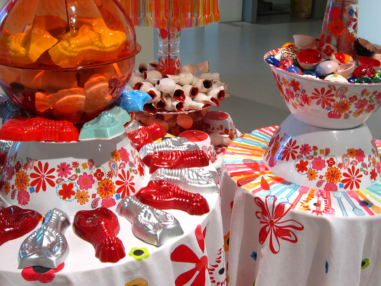 Display, 2004. Image courtesy of jenniferltowner.com