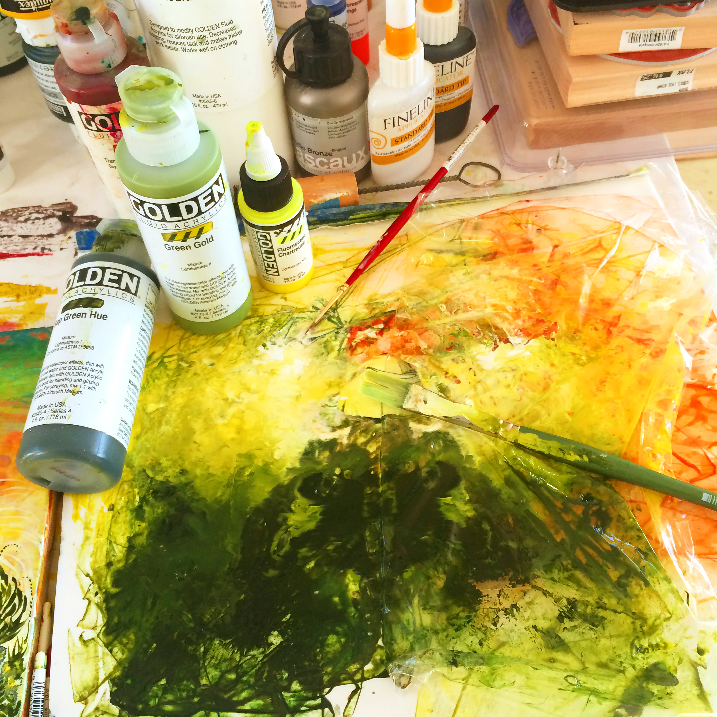 Palette in Carrie's studio. Image courtesy of Carrie Lederer.