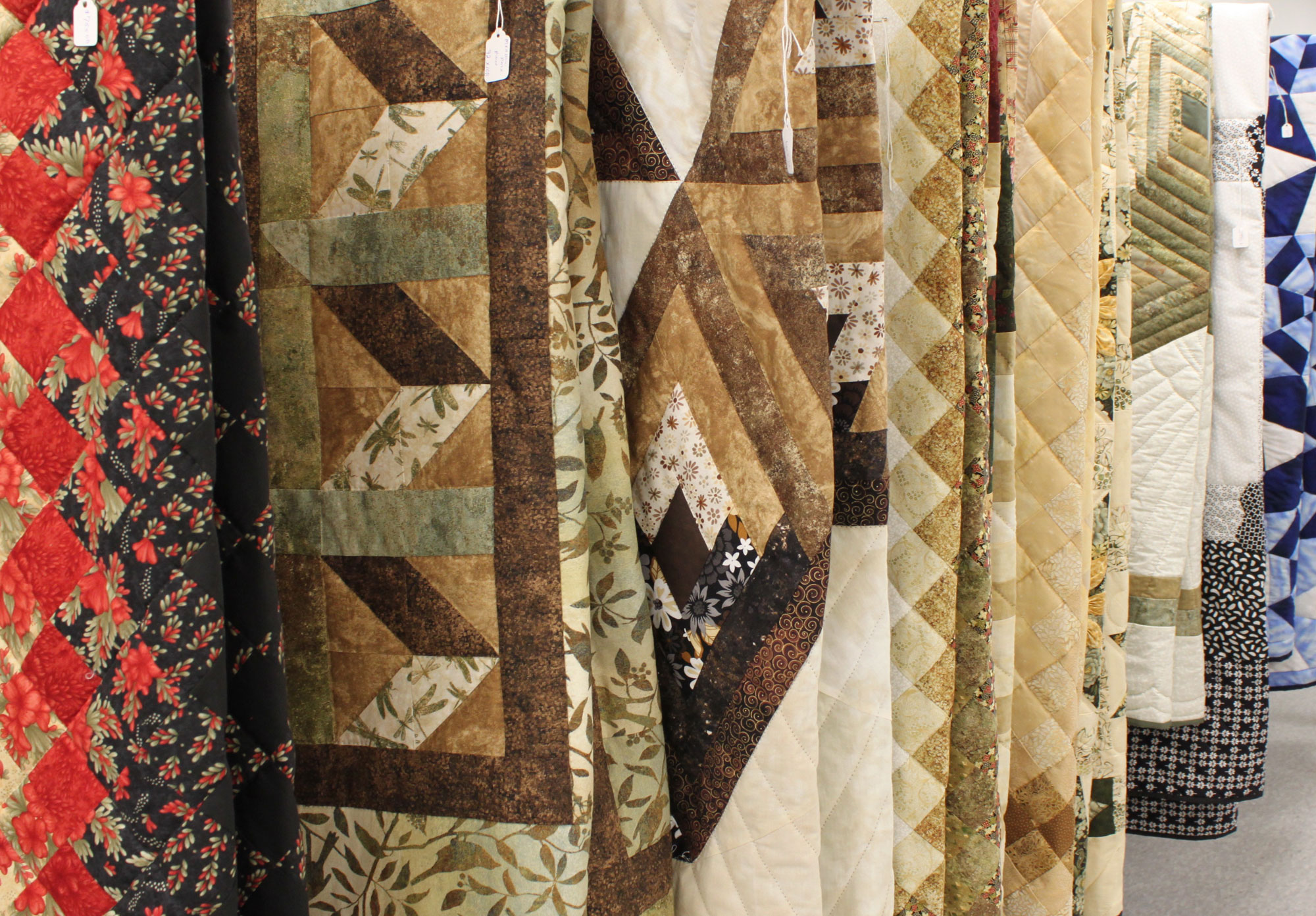 Quilts - We have hundreds of quilts for sale to match your bedroom décor! They are all handmade and built by our local Mennonite ladies.
