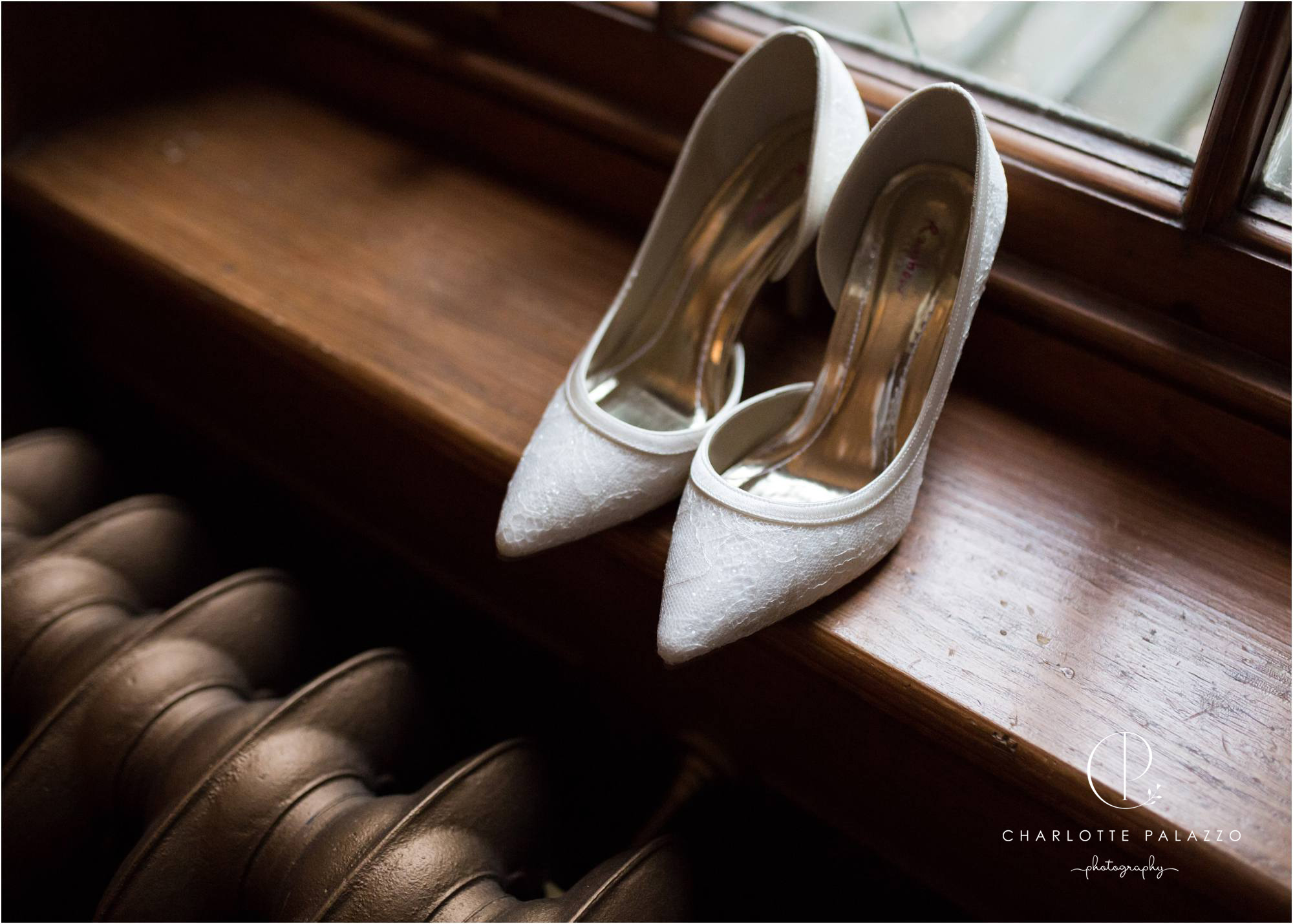 Kirst_Peter_Snowy_Nunsmere_Hall_Winter_Wedding_Cheshire_Photographer_0001.jpg