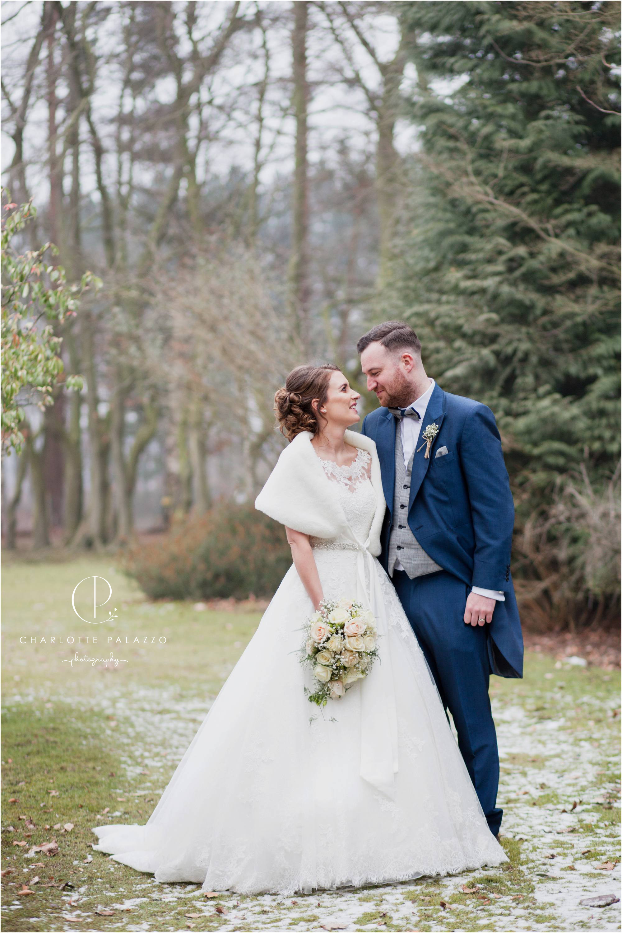 Kirst_Peter_Snowy_Nunsmere_Hall_Winter_Wedding_Cheshire_Photographer_0019.jpg