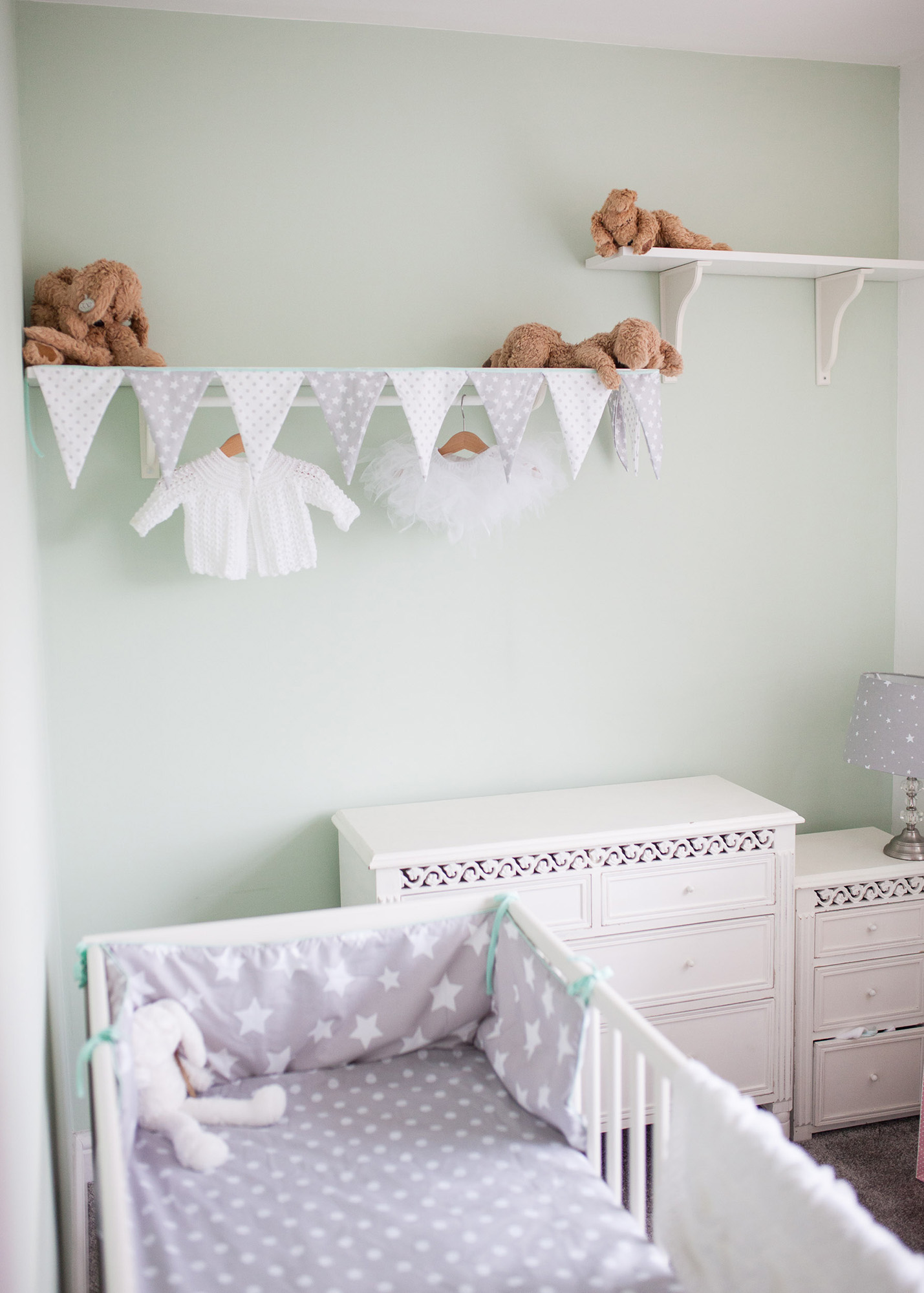 Newborn Baby nursery lifestyle photography.jpg